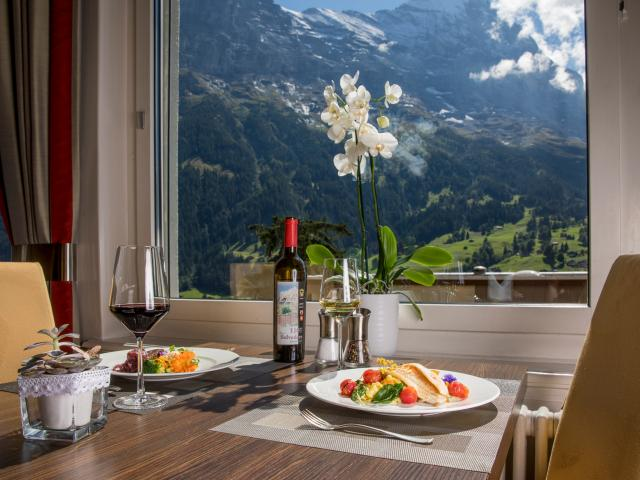 Restaurant Français Fine dining in Grindelwald at the Belvedere Swiss Quality Hotel