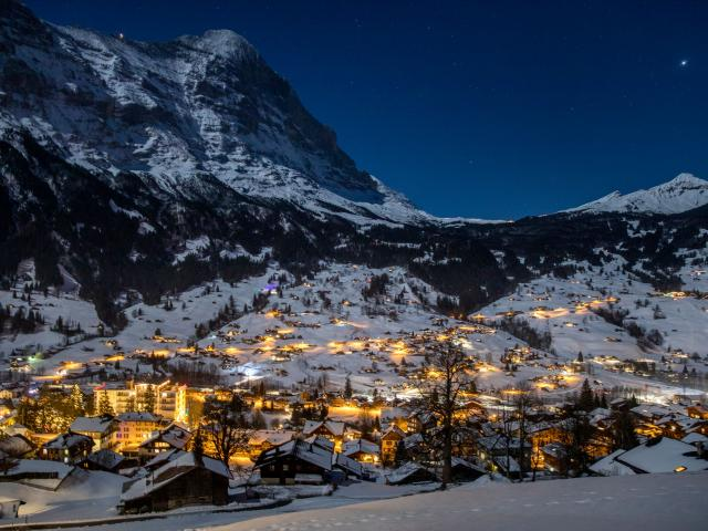 Winter Eiger Nacht Night 02 Belvedere Swiss Quality Hotel Grindelwald