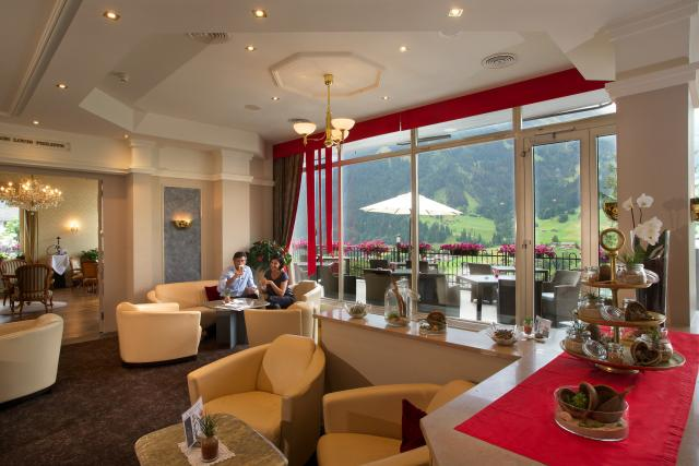 Bar, Lobby, Smoker's Lounge and Terrace - Belvedere Swiss Quality Hotel Grindelwald